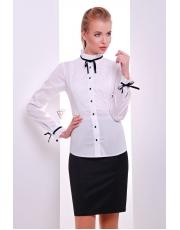 Приталенная белая блуза с черными бантиками на манжетах Layrika