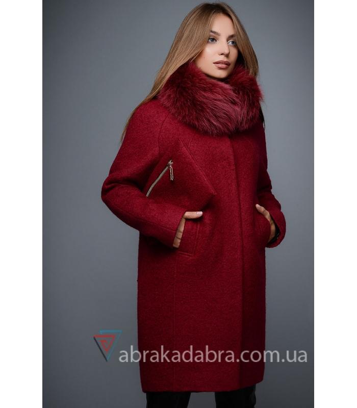 653abfd6d6a Зимнее пальто с меховым воротником прямого кроя с сумочкой купить
